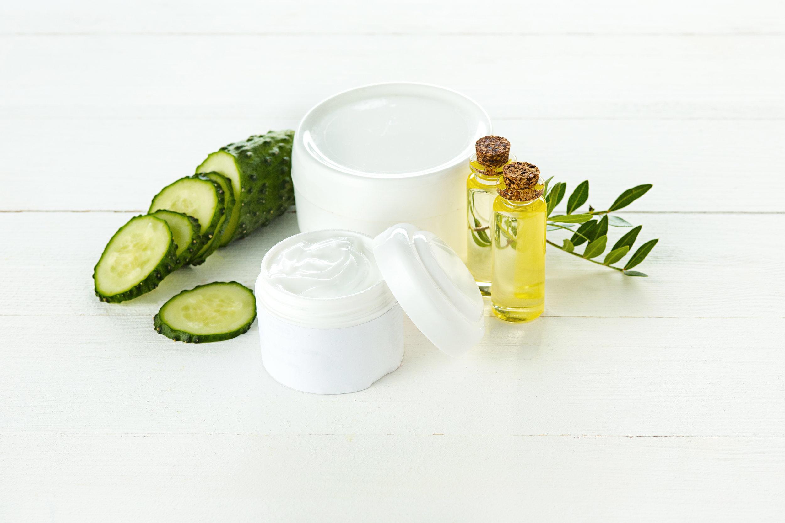 cucumber-and-aloe-cosmetic-cream-face-skin-and-P68G9B5.jpg