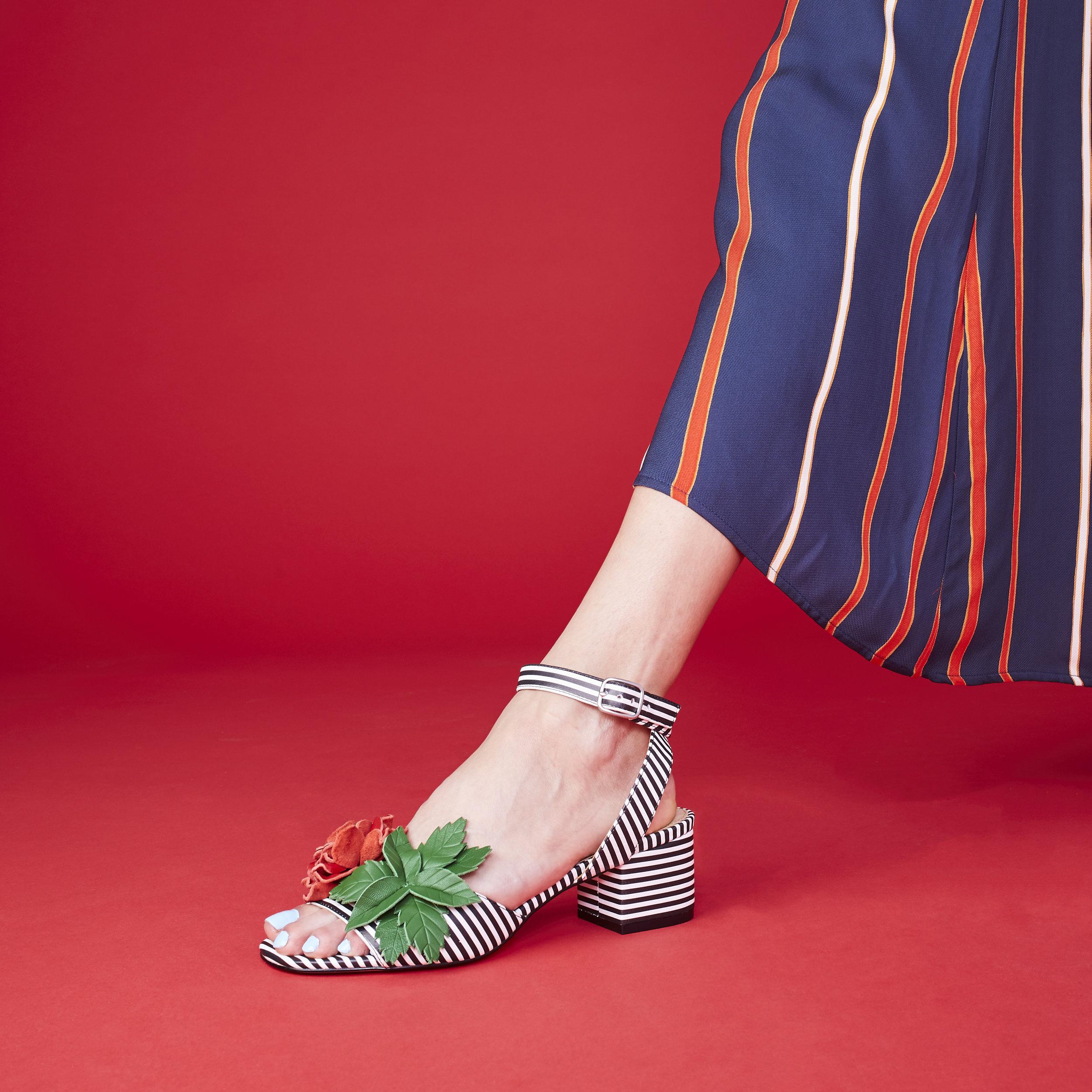 2017-12-08_Katy-Perry-Shoes_Shot 10 Rose Stripe Sandal_015.jpg