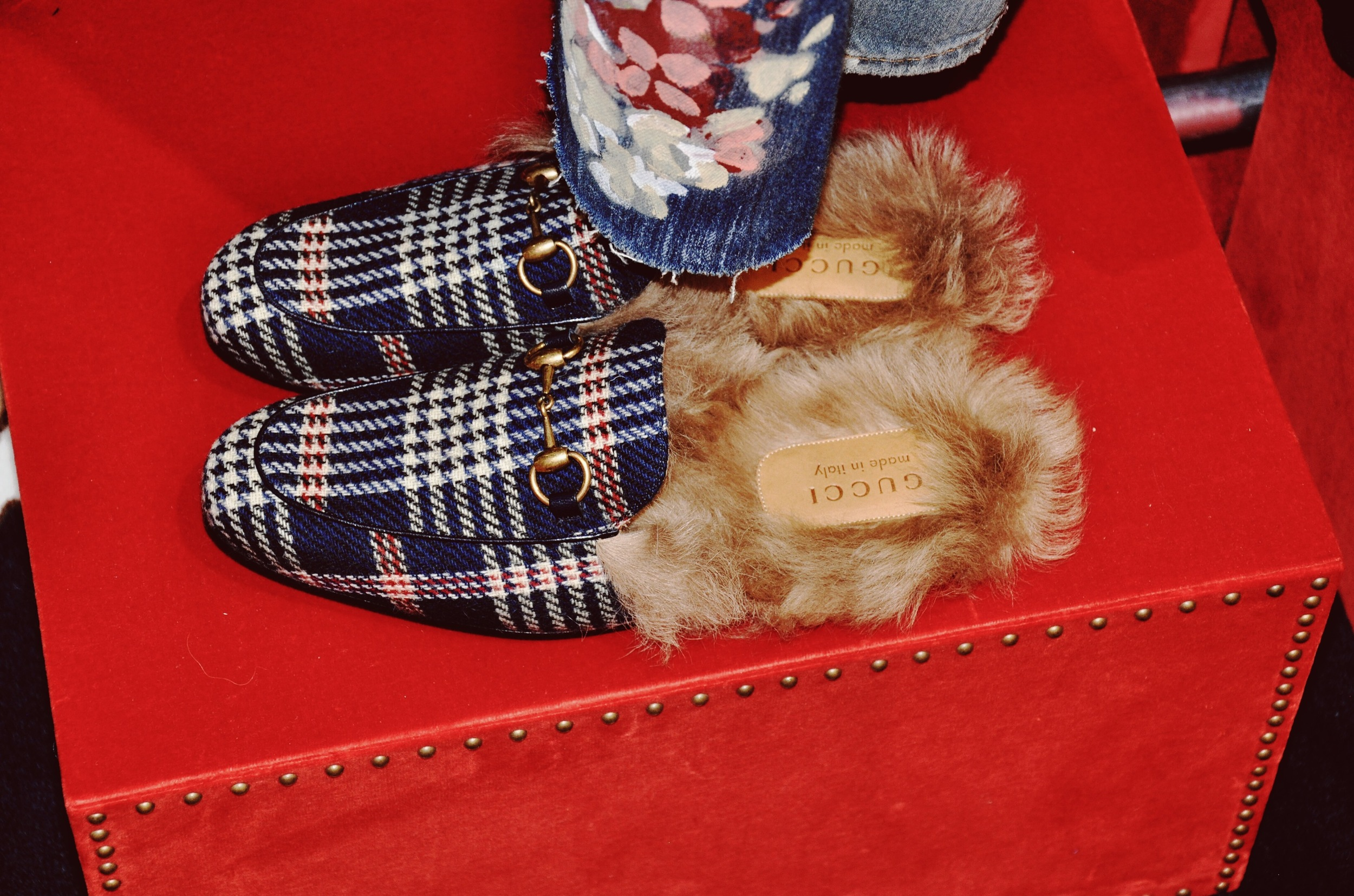 Cozy men's furry backless loafer slippers.