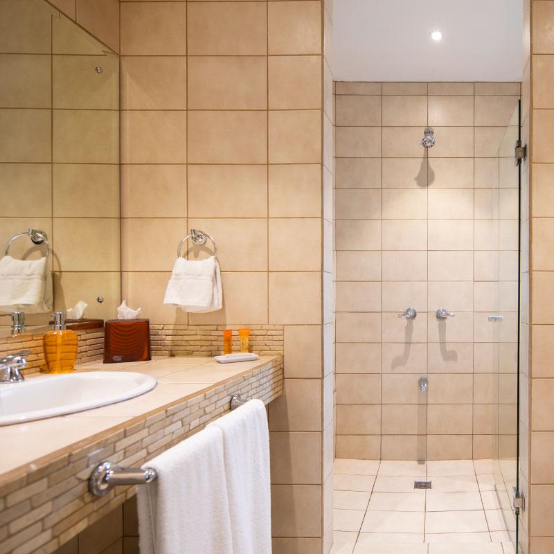 Junior-Suite-Hotel-Boutique-Costa-Rica-Bedroom-bathroom.jpg