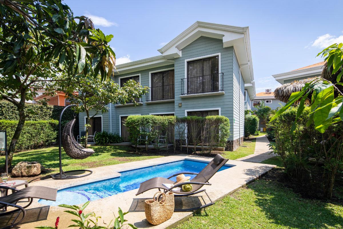 Pool-area-hotel-boutique-Costa-Rica.jpg