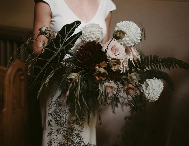 This photo represents everything that goes right when you give creatives the space to run free. — After years of working with clients who trusted me with their brands, websites, and social media accounts I was thrilled to be able to do the same when Alex and I got hitched two weeks back. I cannot thank our florist (@sacredthistle ), photog (@ashhobsoncarr ) and wedding planner / art director / day-of-EVERYTHING (@forloveoflove ) enough for taking a handful creative cues and running with the rest. 🌿