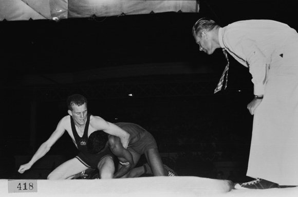 Pakistan dominated the wrestling events, held at the Royal King's Park Tennis Club, winning 7 gold out of 8 weight divisions. (Supplied: State Library of Western Australia)