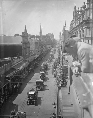 Centenary Pageant on Hay Street, 2 October 1929. (Supplied: State Library of Western Australia)