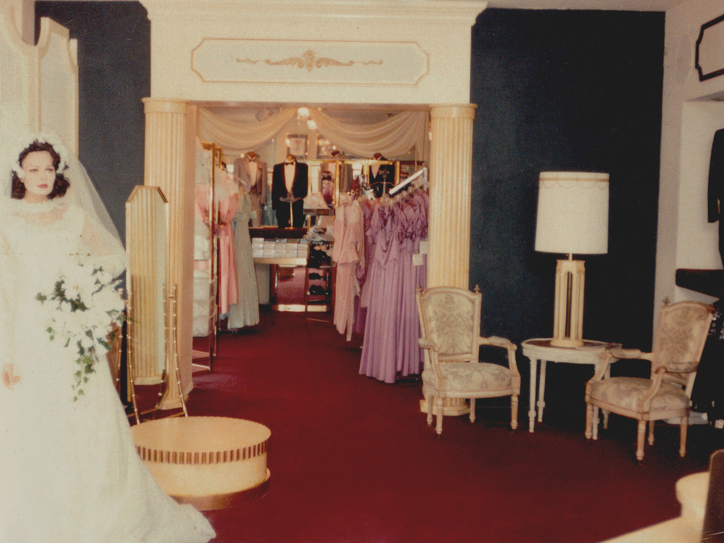 Roaslie's Bridal shop.jpg