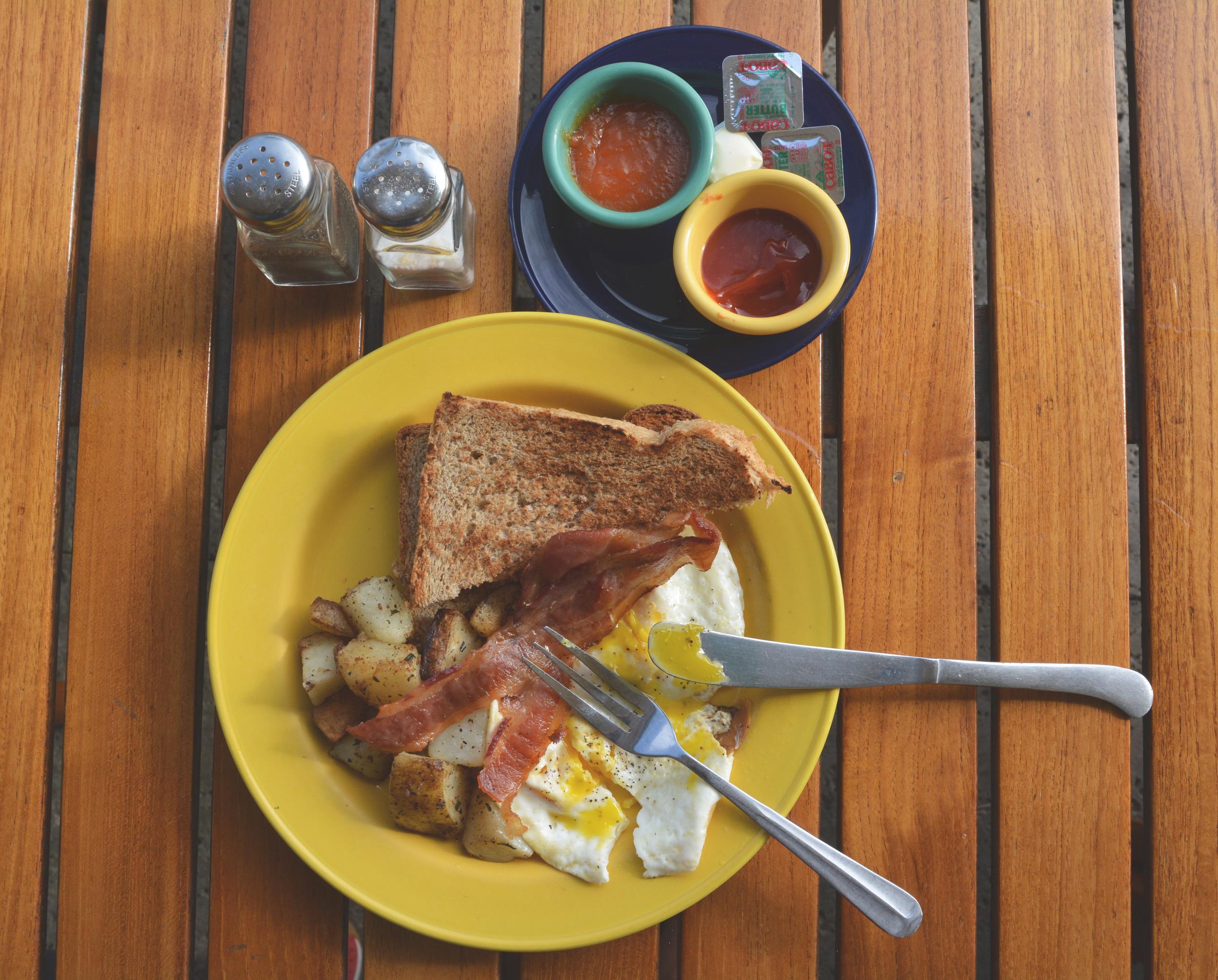 Cimboco_Cayman_Breakfast