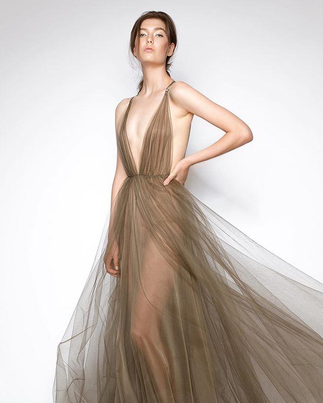 @elsa_bryant slaying this amazing @lexiclothing dress 😍  Agency | @themodelsau  Hair+MUA | @kristajade_mua