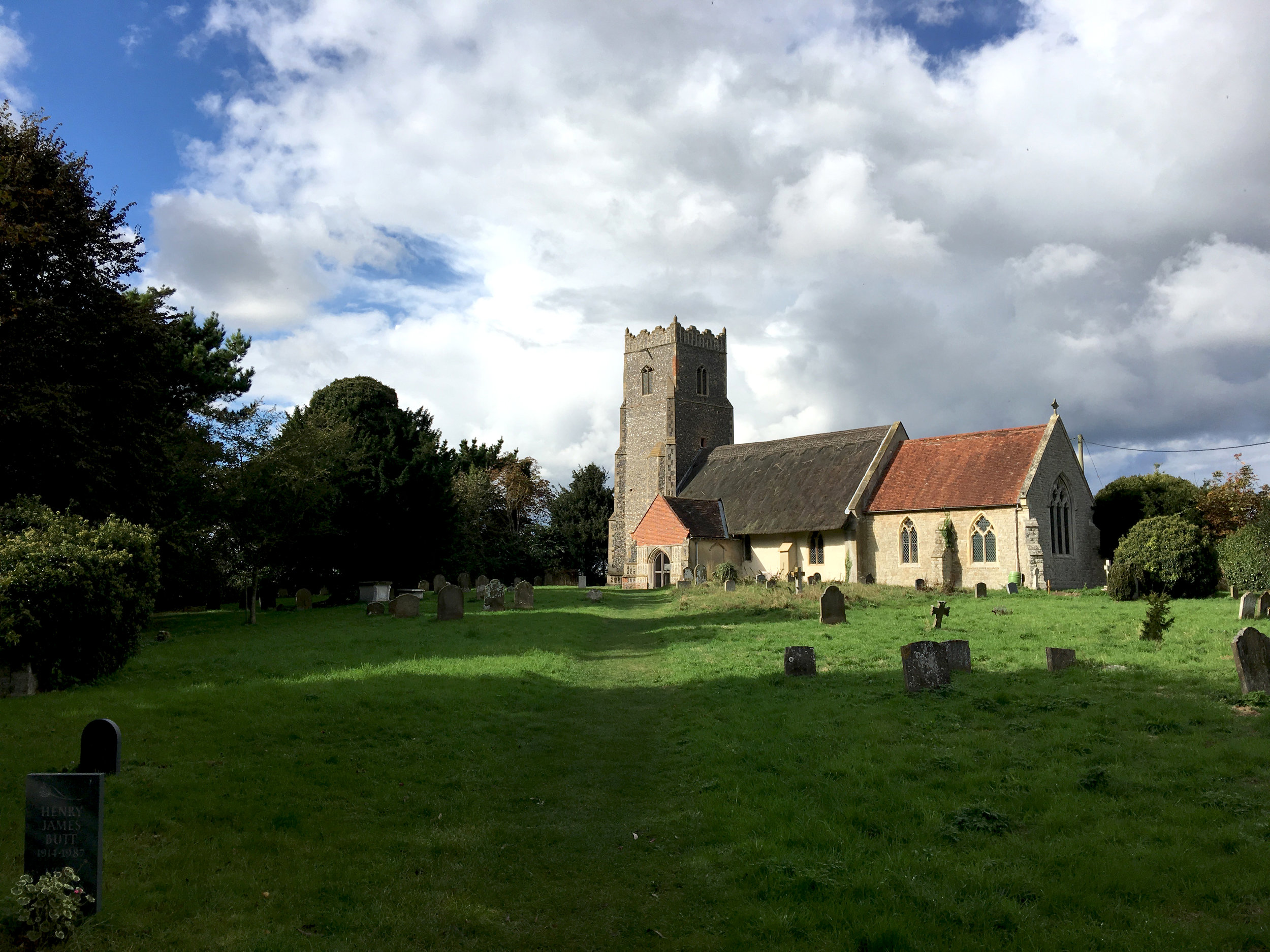 The church at Iken. I had no idea that churches like this one in most English villages are identical.