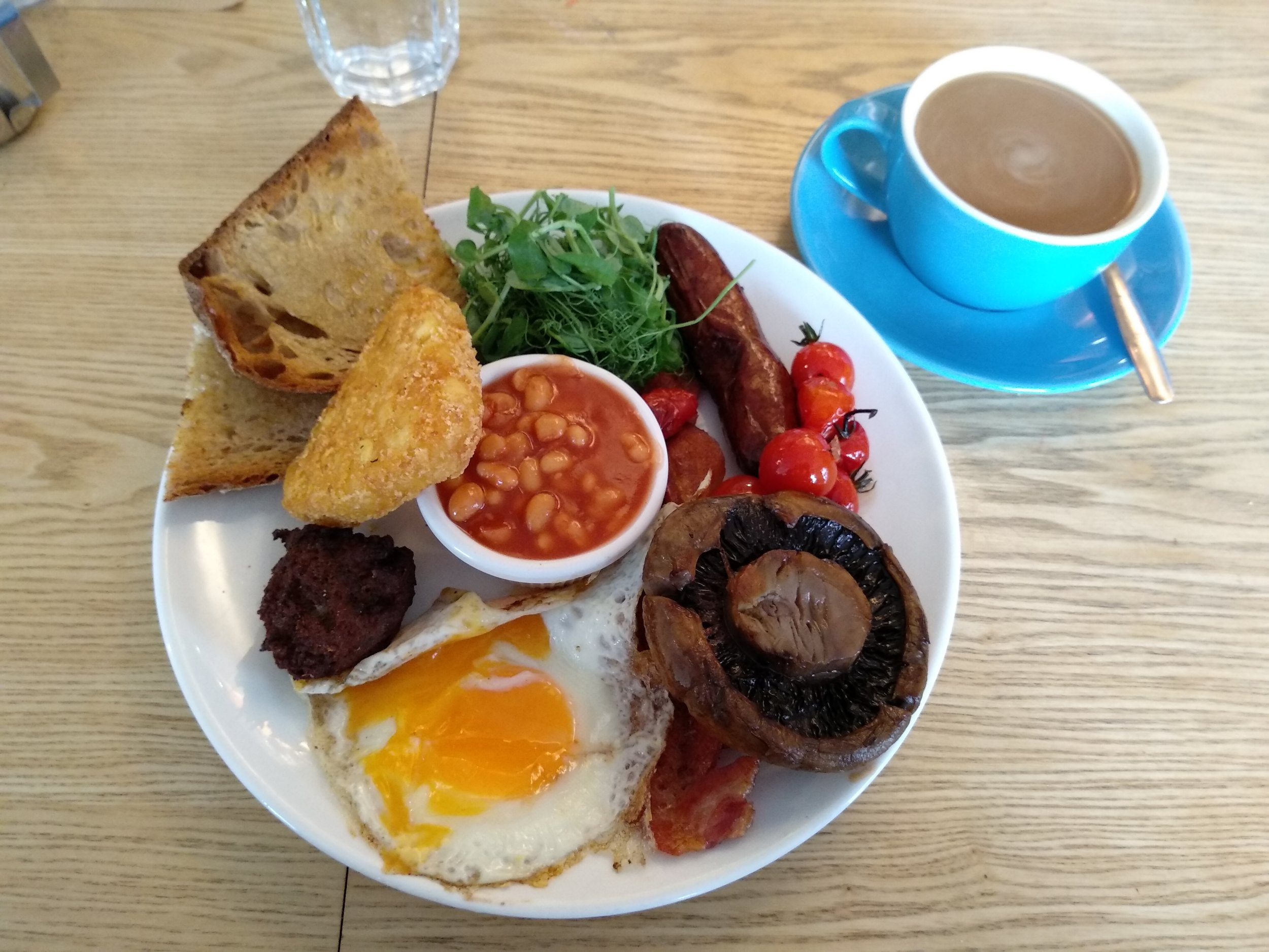 There's the full English, and then there's this. As someone who likes to mix and match different bits during a meal, the amount of possible combinations here was very stressful.