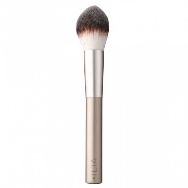 ilia-beauty-finishing-powder-brush.jpg