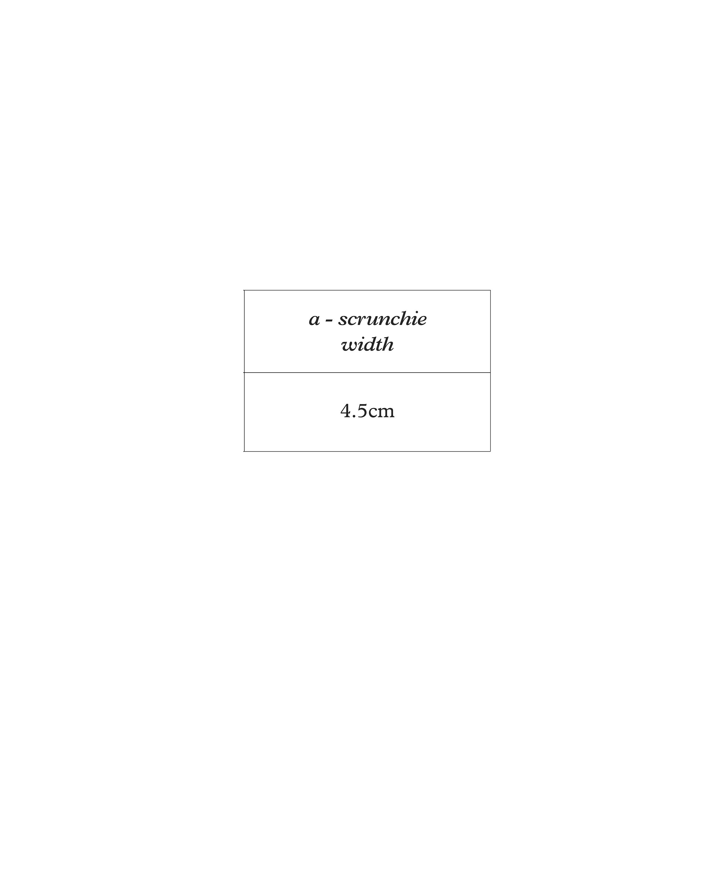 #044 scrunchie - size guide.jpg