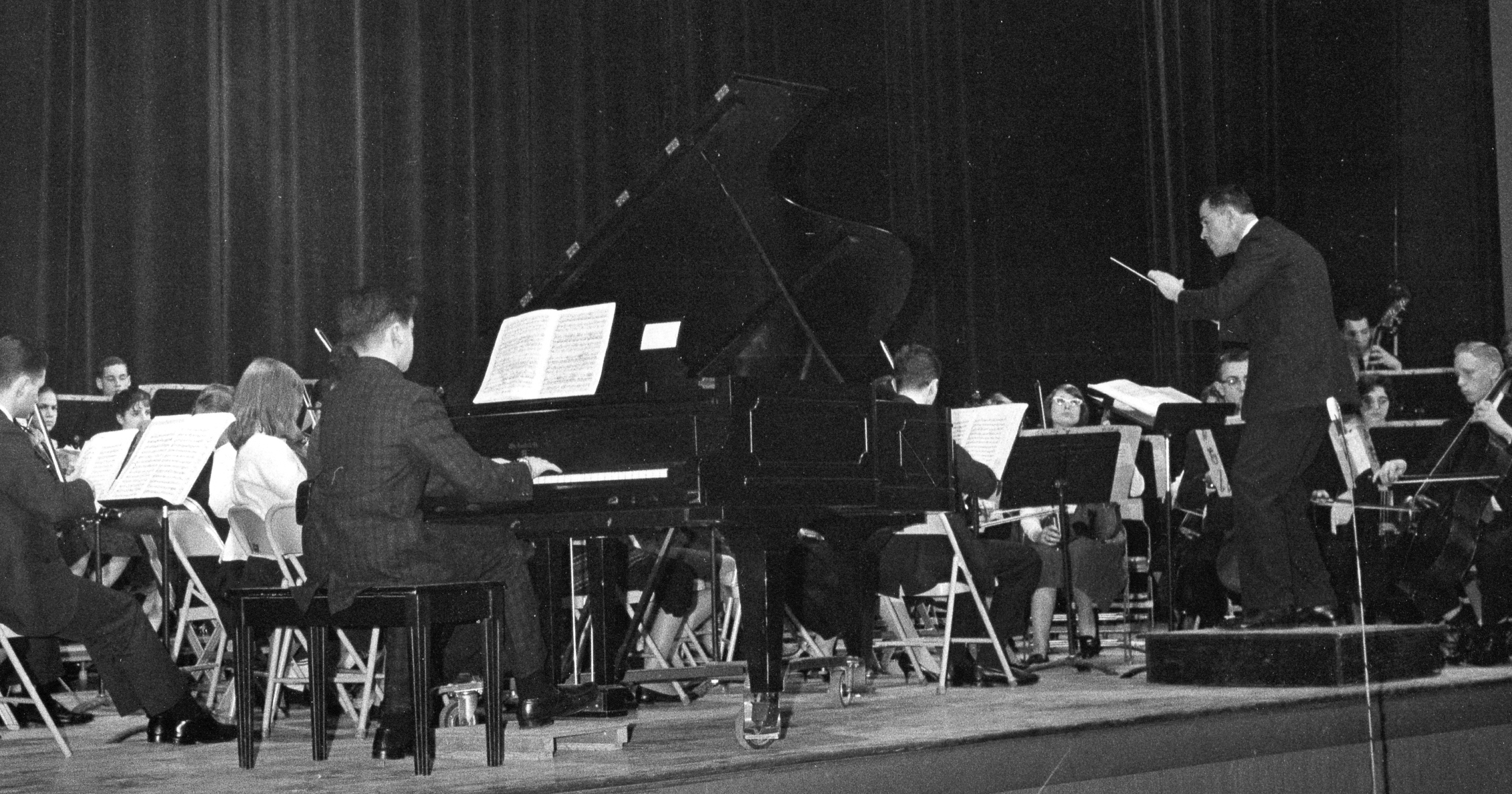 Armen Donelian (piano) performs Haydn's Piano Concert in D with Westchester Youth Symphony, Norman Leyden conducting (1962)