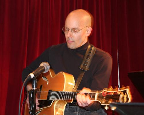 Rory Stuart , guitar