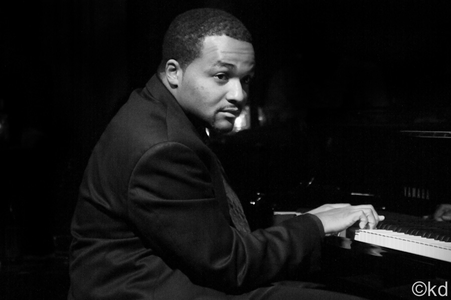 Sullivan Fortner, Piano