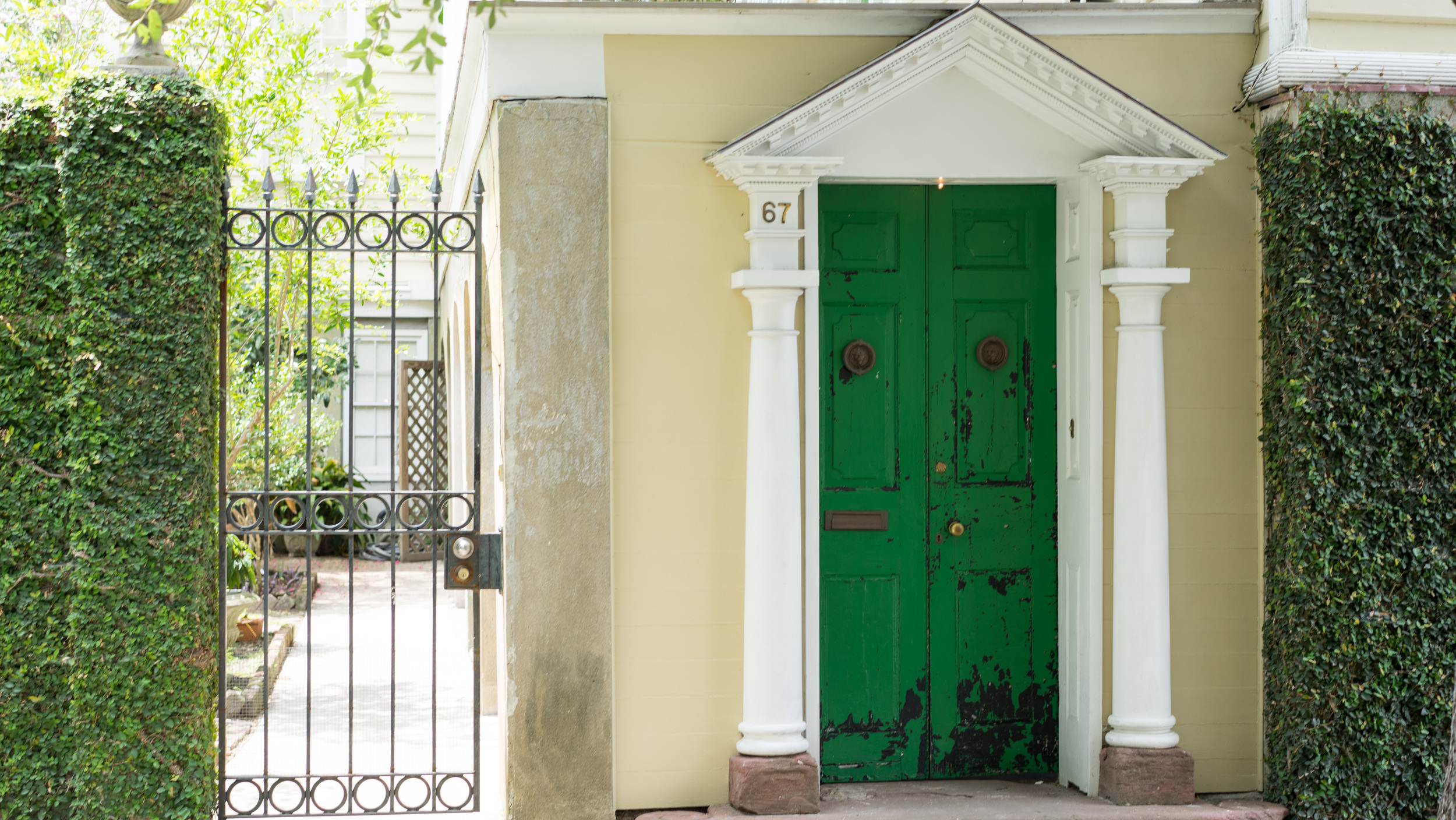 Also, how amazing is this bright green door? The front doors in Charleston never cease to amaze me.
