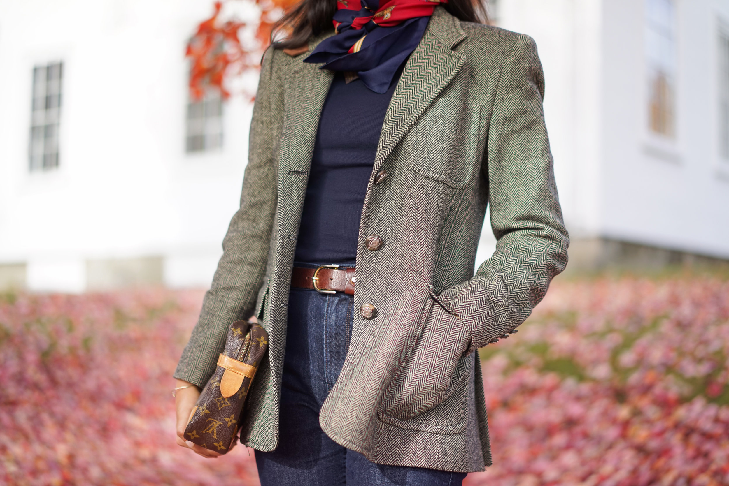 fall-Capsule-wardrobe-maine-ralph-lauren-herringbone-blazer-silk-scarf-louis-vuitton-clutch-fall-foliage-new-england-7.jpg