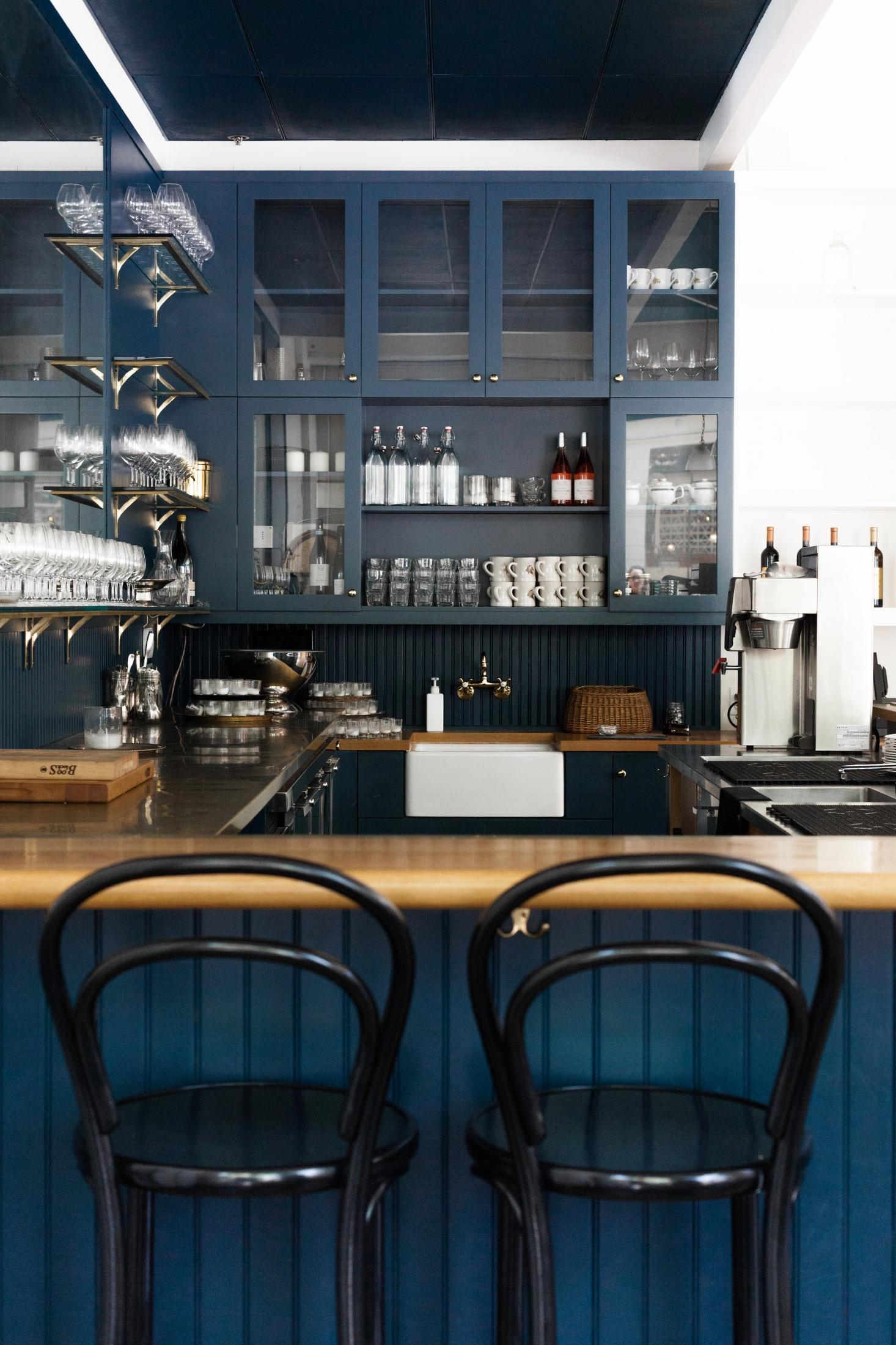 little-london-plane-seattle-blue-kitchen-apron-sink-2-1466x2199.jpg