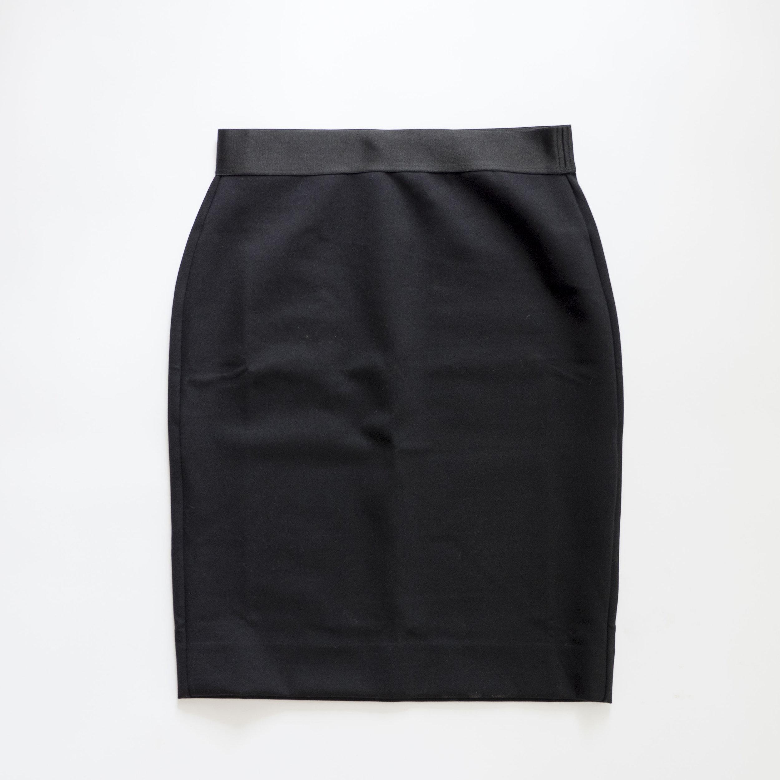 everlane-black-ponte-pencil-skirt.jpg