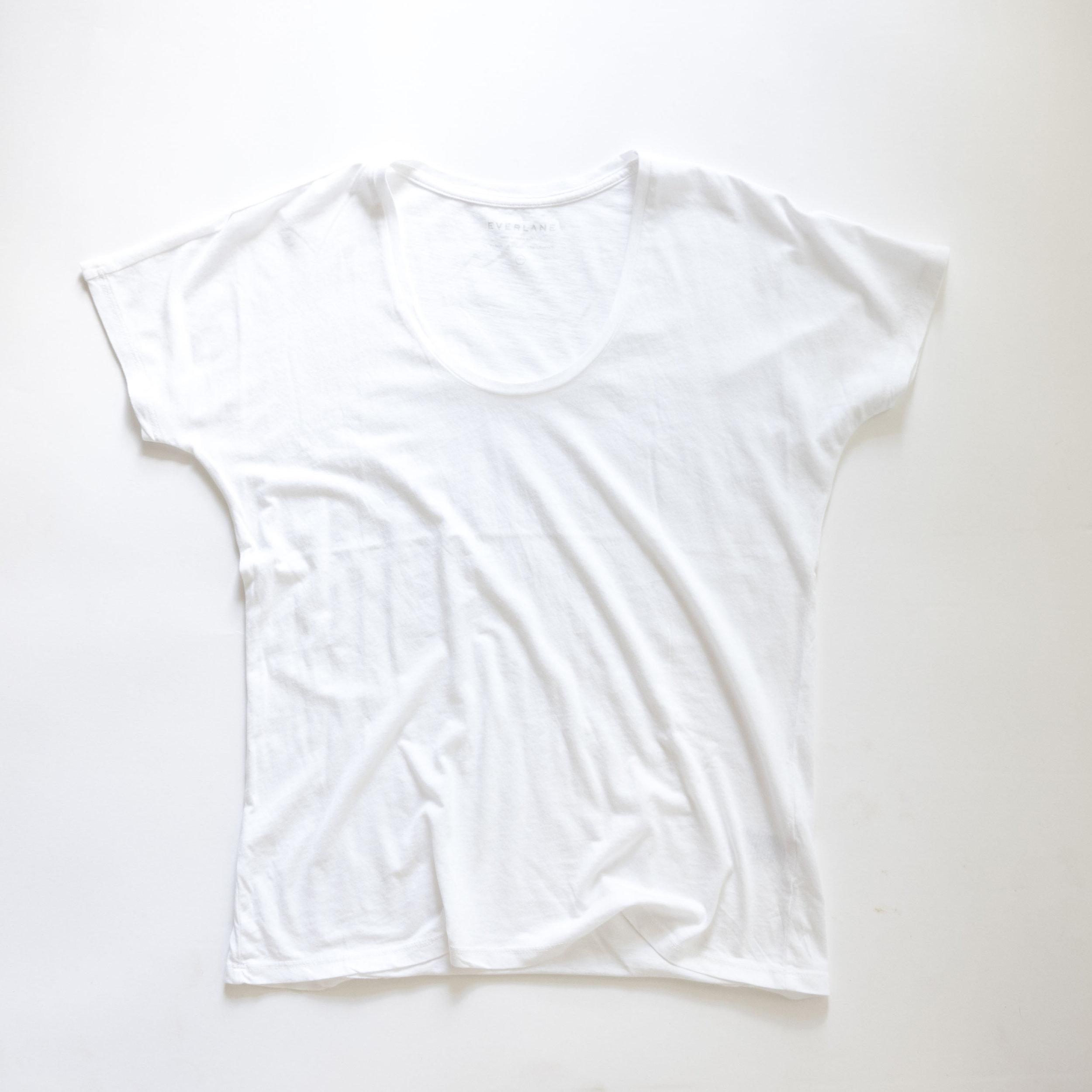 everlane-white-tee.jpg