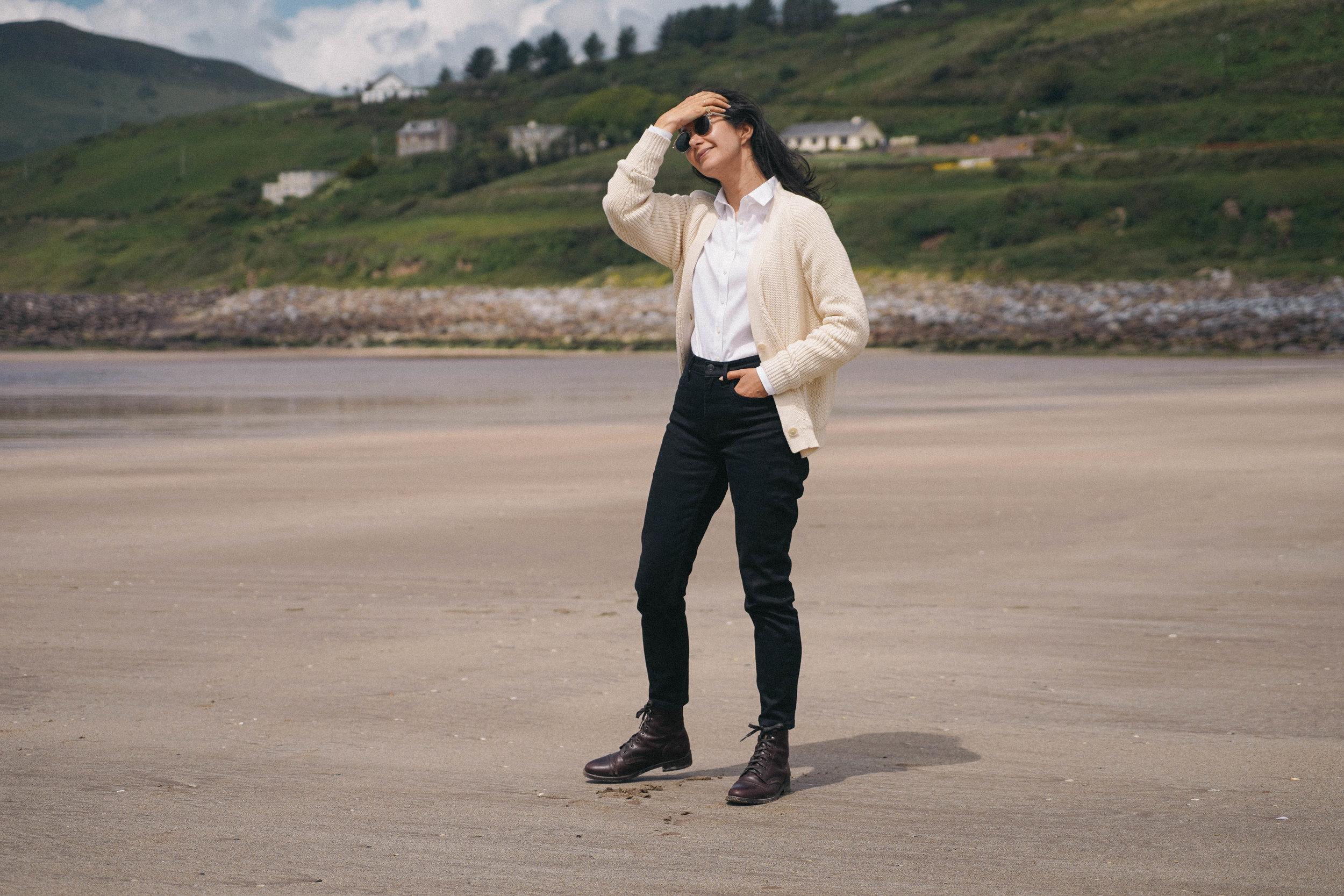 l'envers-sweater-review-thursday boots.jpg