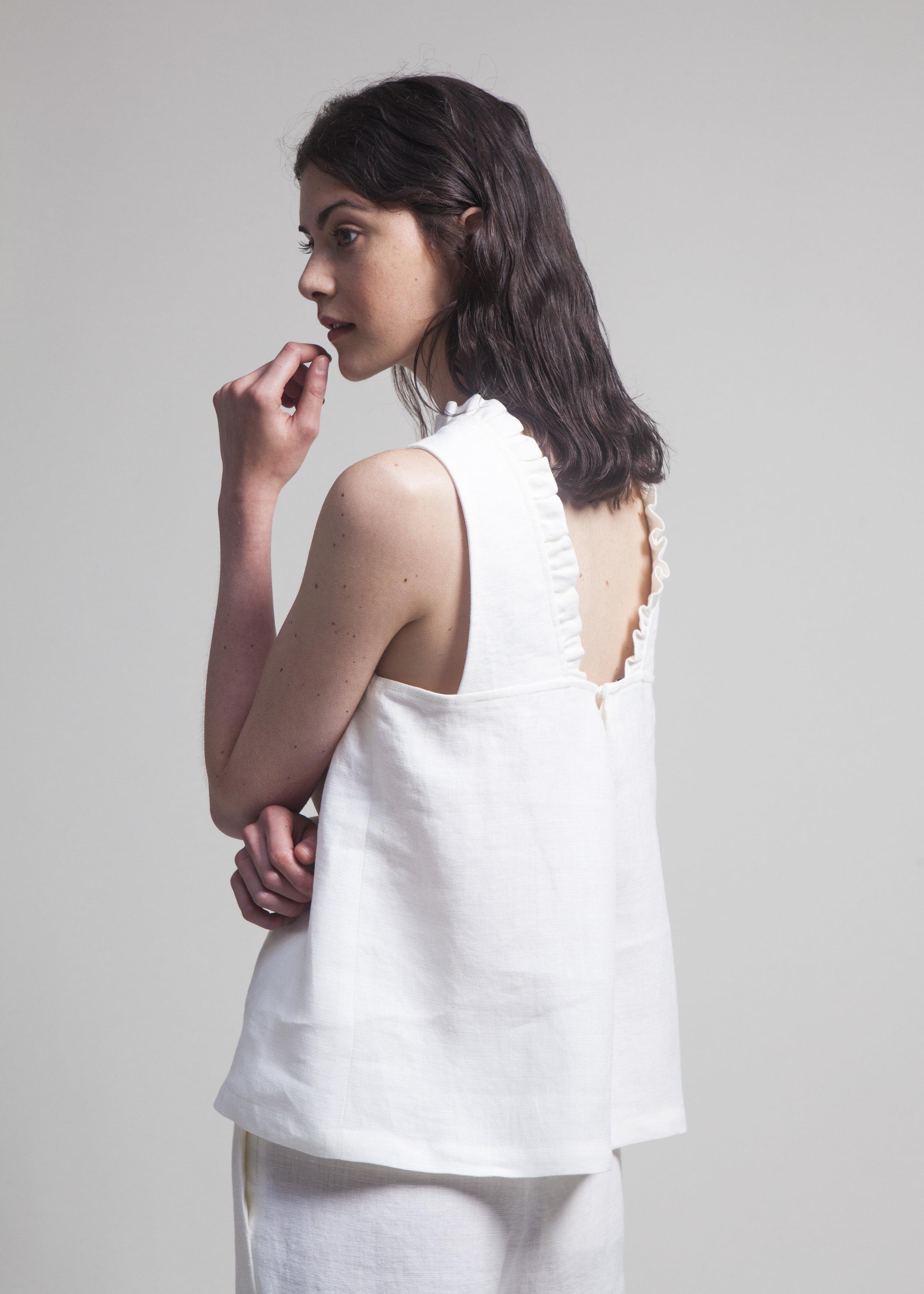 03 Lolo Linnen White.JPG