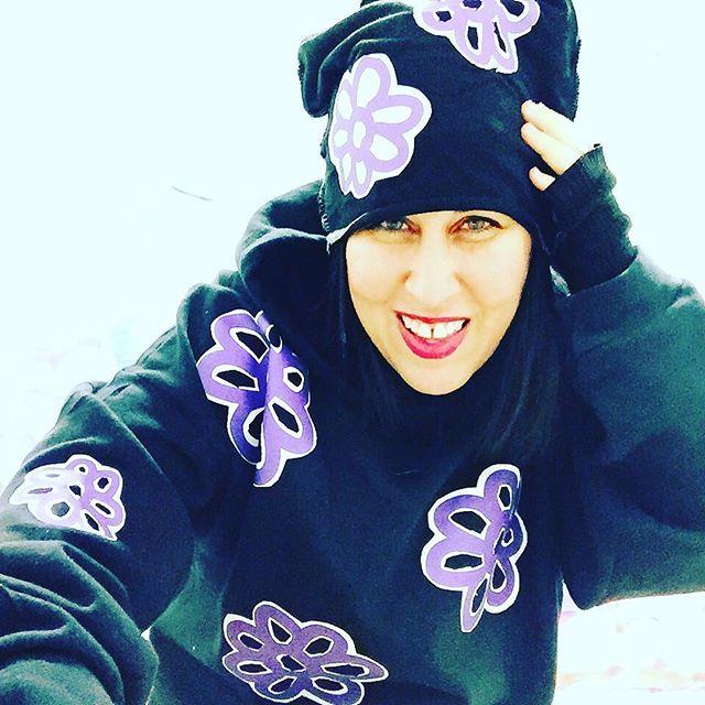 10% of #purpleflowersurvivor related sales to Survivors of Domestic Violence http://paigedansinger.com/art-tech-4-new/2016/10/16/museums-domestic-violence #dvam2016