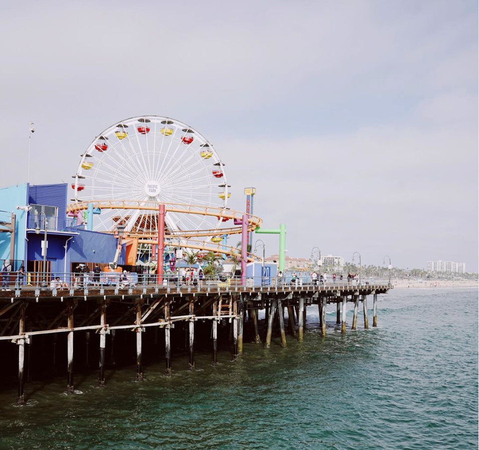 ICONIC SANTA MONICA PIER, SIDE VIEW