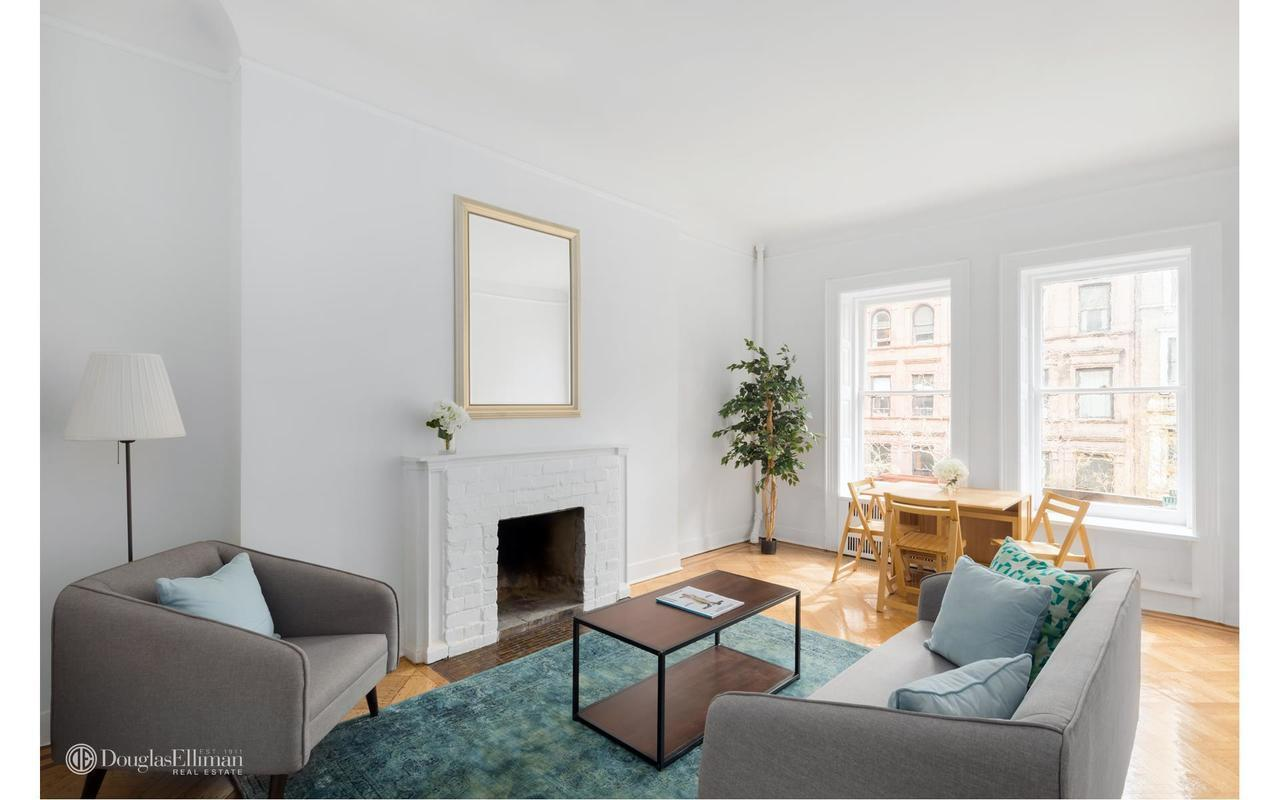 LINCOLN SQUARE, NEW YORK - STAGING EDIT