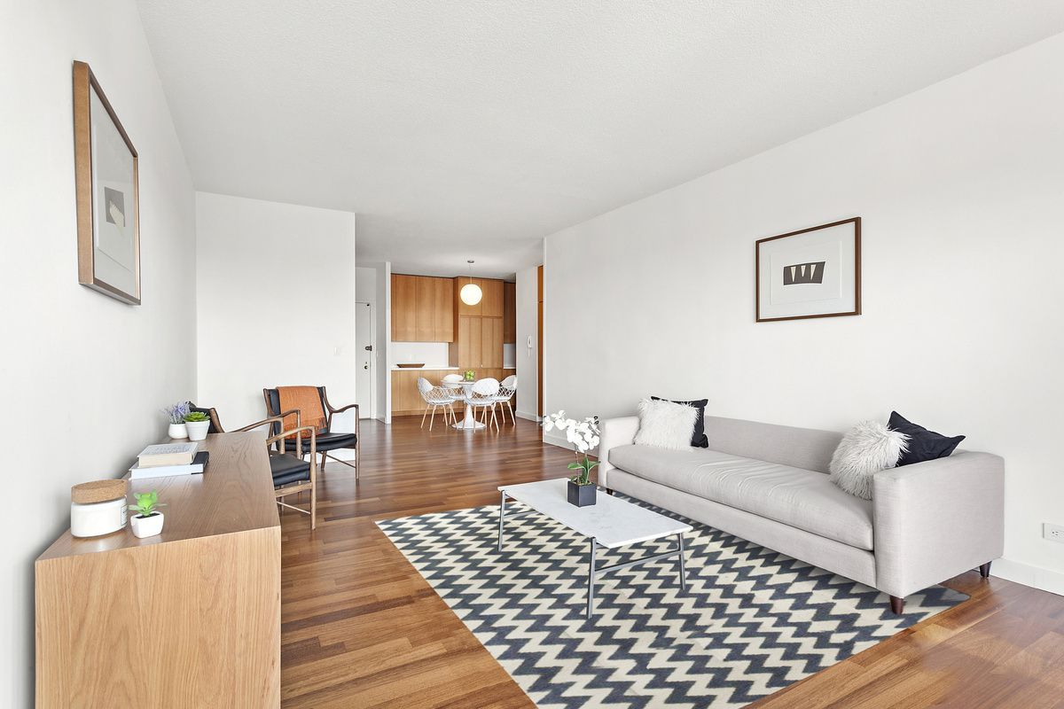 ONE BEDROOM BACHELOR PAD IN GREENWICH VILLAGE -