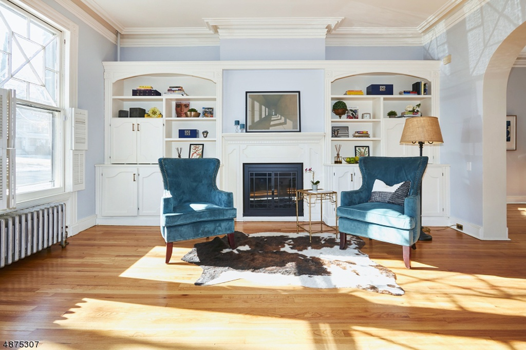 SOUTH ORANGE, NEW JERSEY - DESIGNED BY: STAGING BY LARA