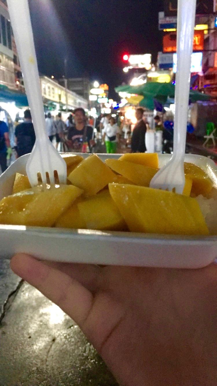 mango w- sticky rice at Khao San .jpg