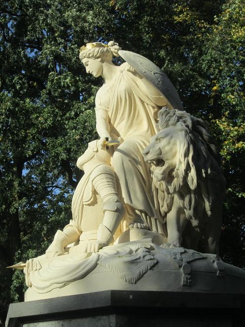 GEDENKMONUMENT, HEILIGERLEE - MONUMENT TER NAGEDACHTENIS AAN GRAAF ADOLF VAN NASSAU