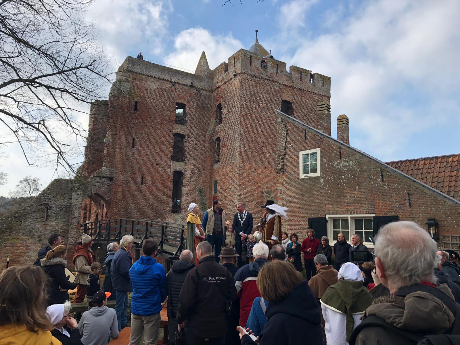 Opening ruïne van Brederode - Beelden van het openingsweekend