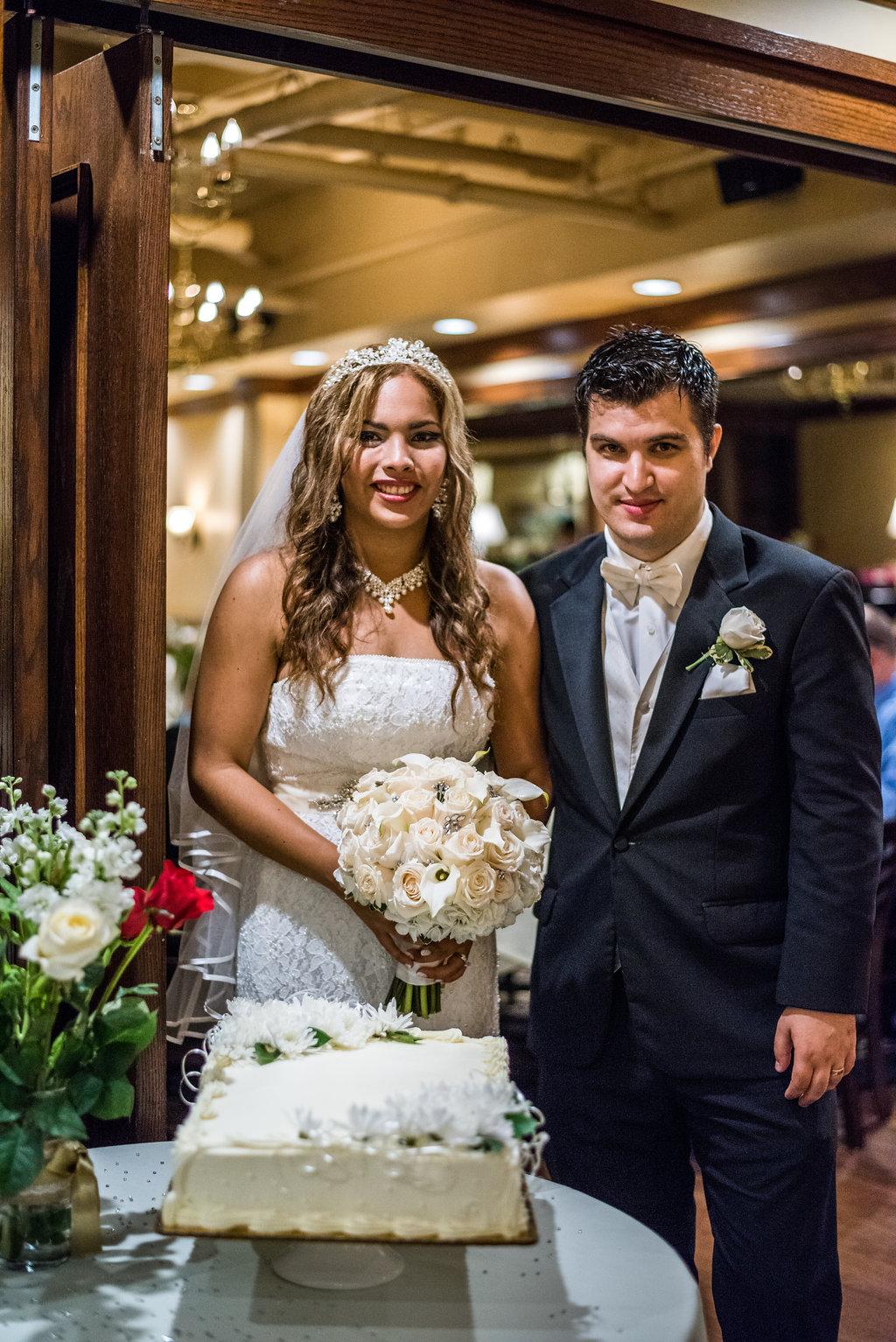 maggianos boston wedding couple
