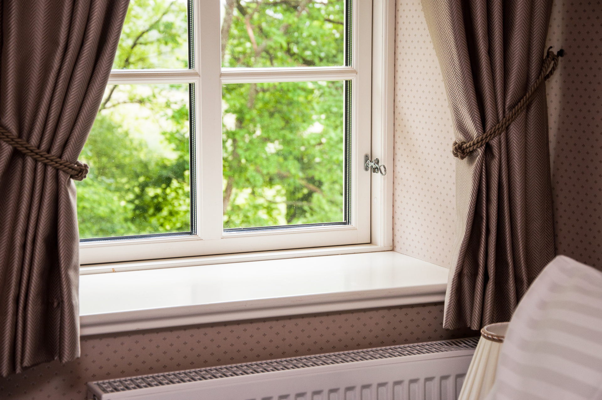 interior windows cleaning 4.jpg