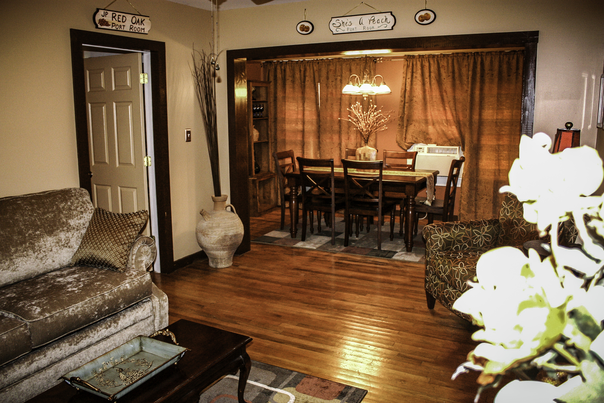 20100710-Common Area Port House.JPG