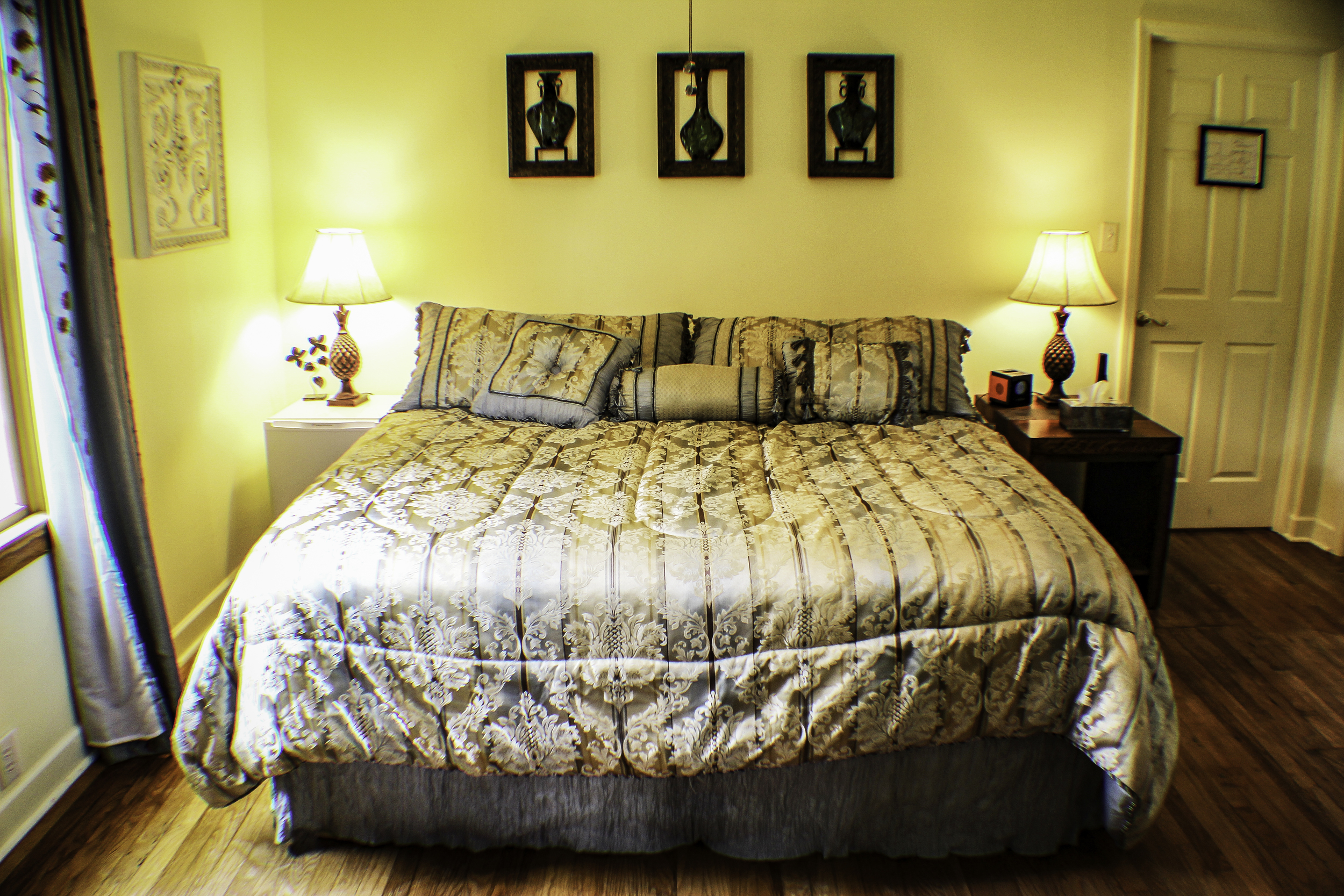 20130610-Canyon Gold King Size Bed.JPG
