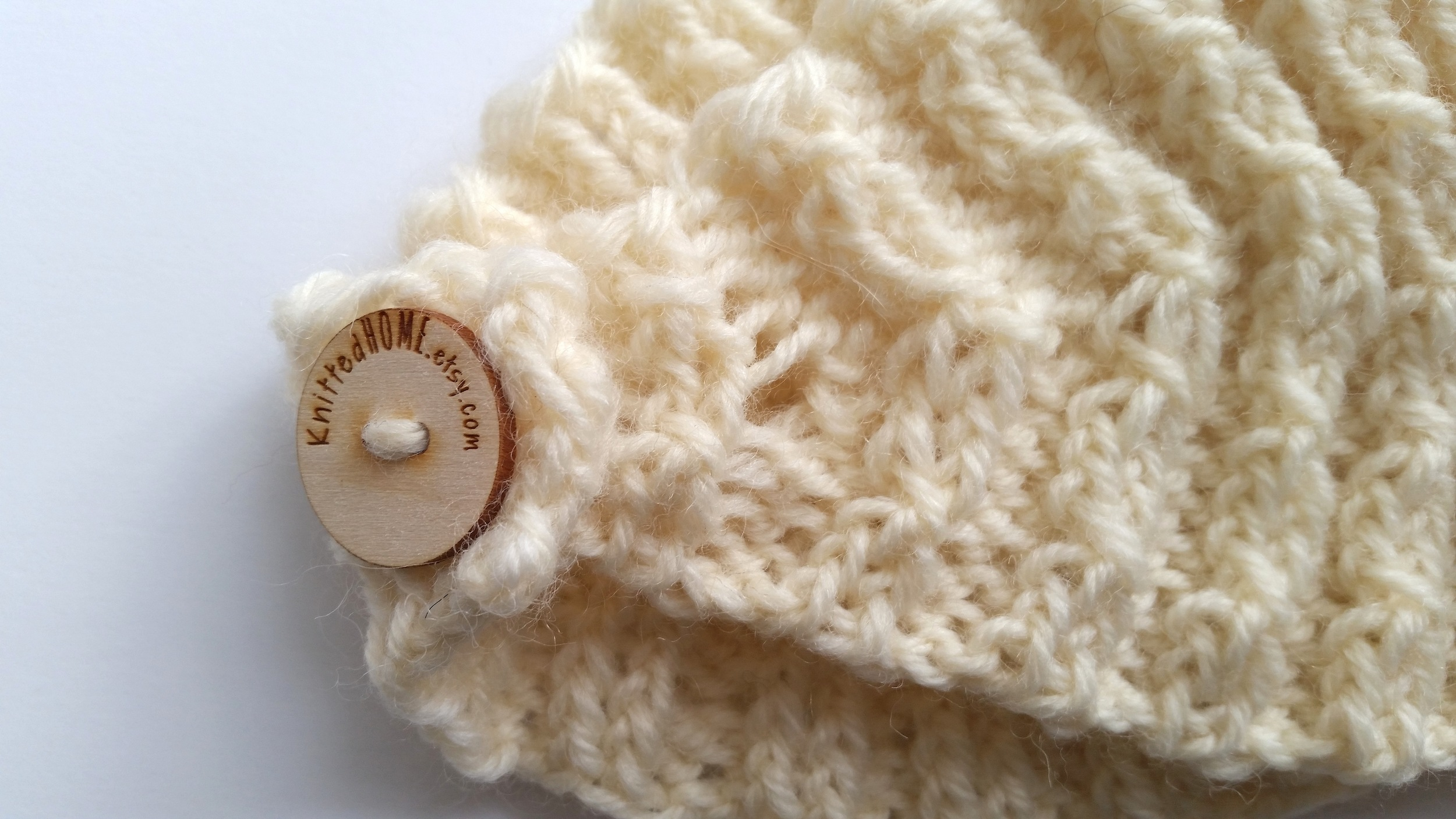 Twisted Cable Rib ear warmer | theknittedhome.com