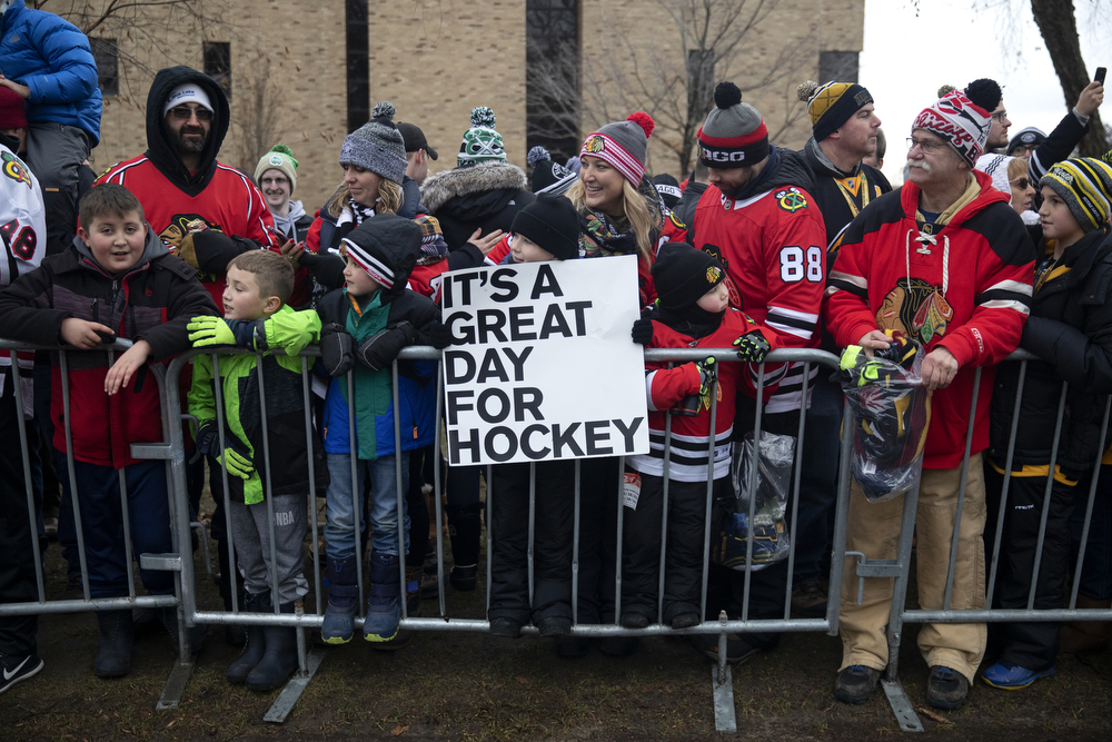 Fans wait for the Chicago Blackhawks to arrive before the Winter Classic outdoor hockey game between the Blackhawks and Boston Bruins Tuesday, Jan. 1, 2019, at Notre Dame Stadium in South Bend, Ind. (Erin Hooley/Chicago Tribune)