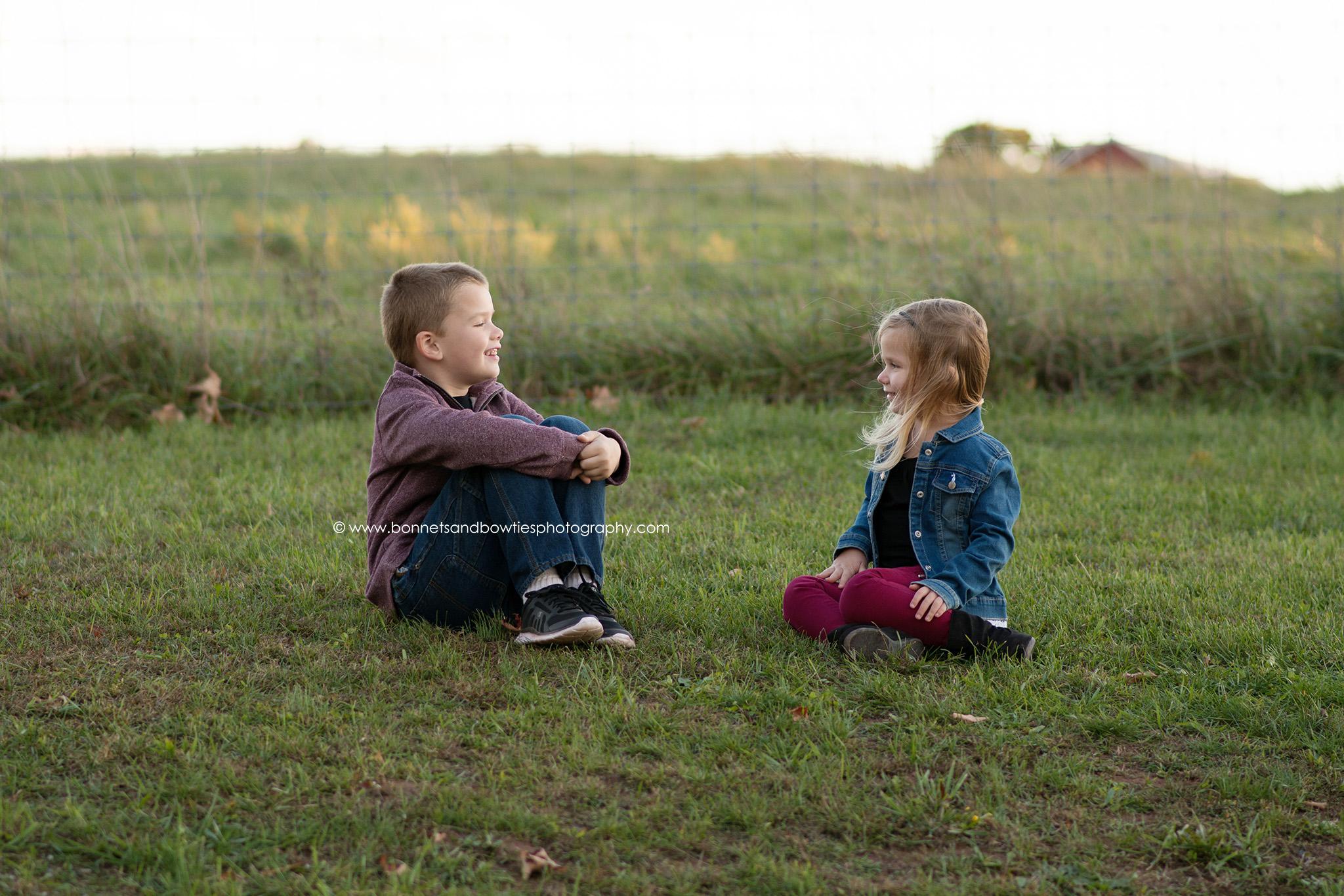 kids laughing pose