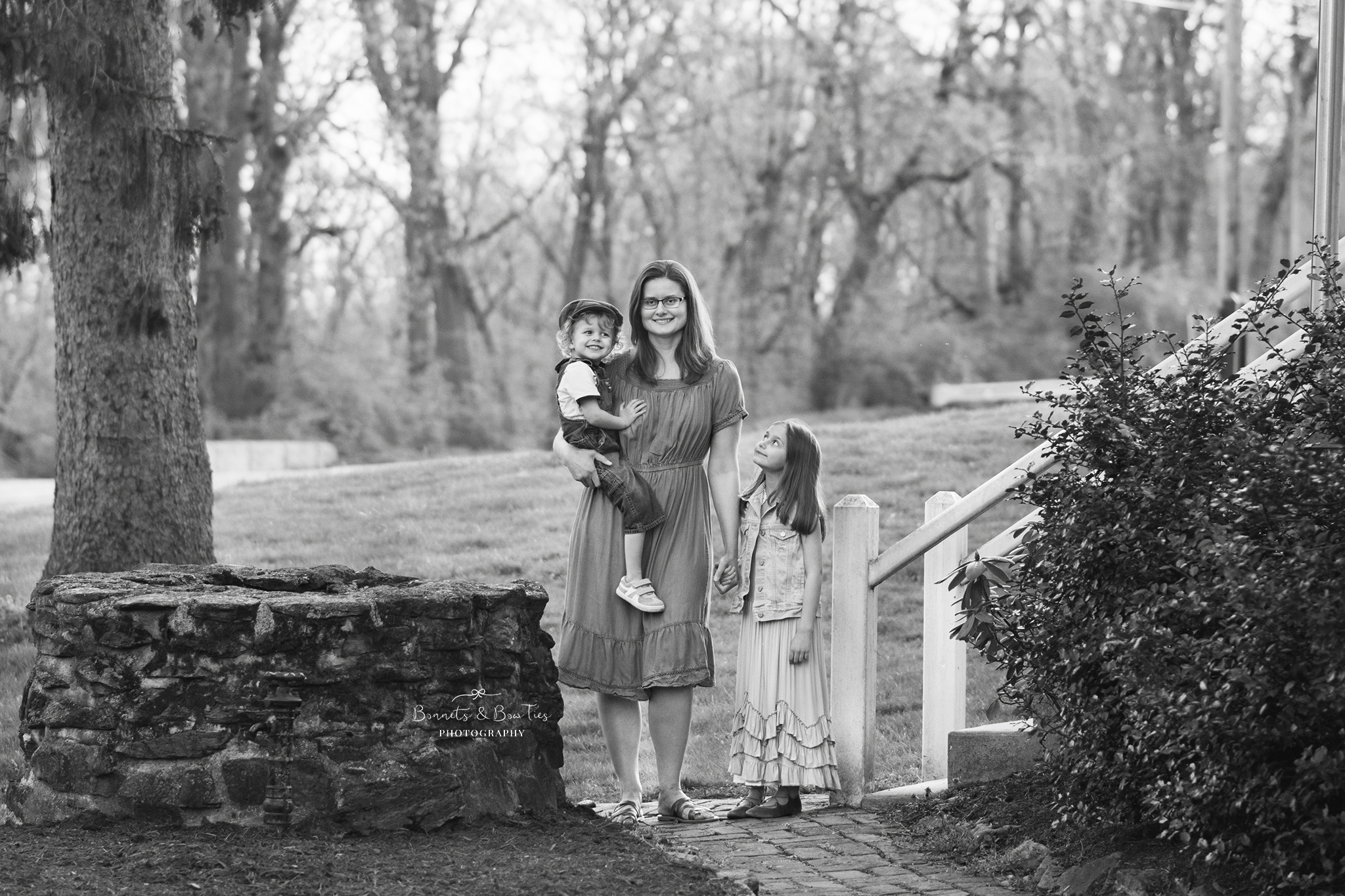 Mother and children portrait session in york pa.jpg