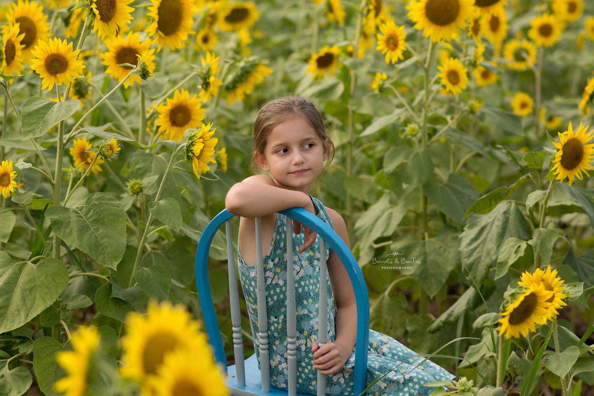 portrait session in sunflowers.jpg