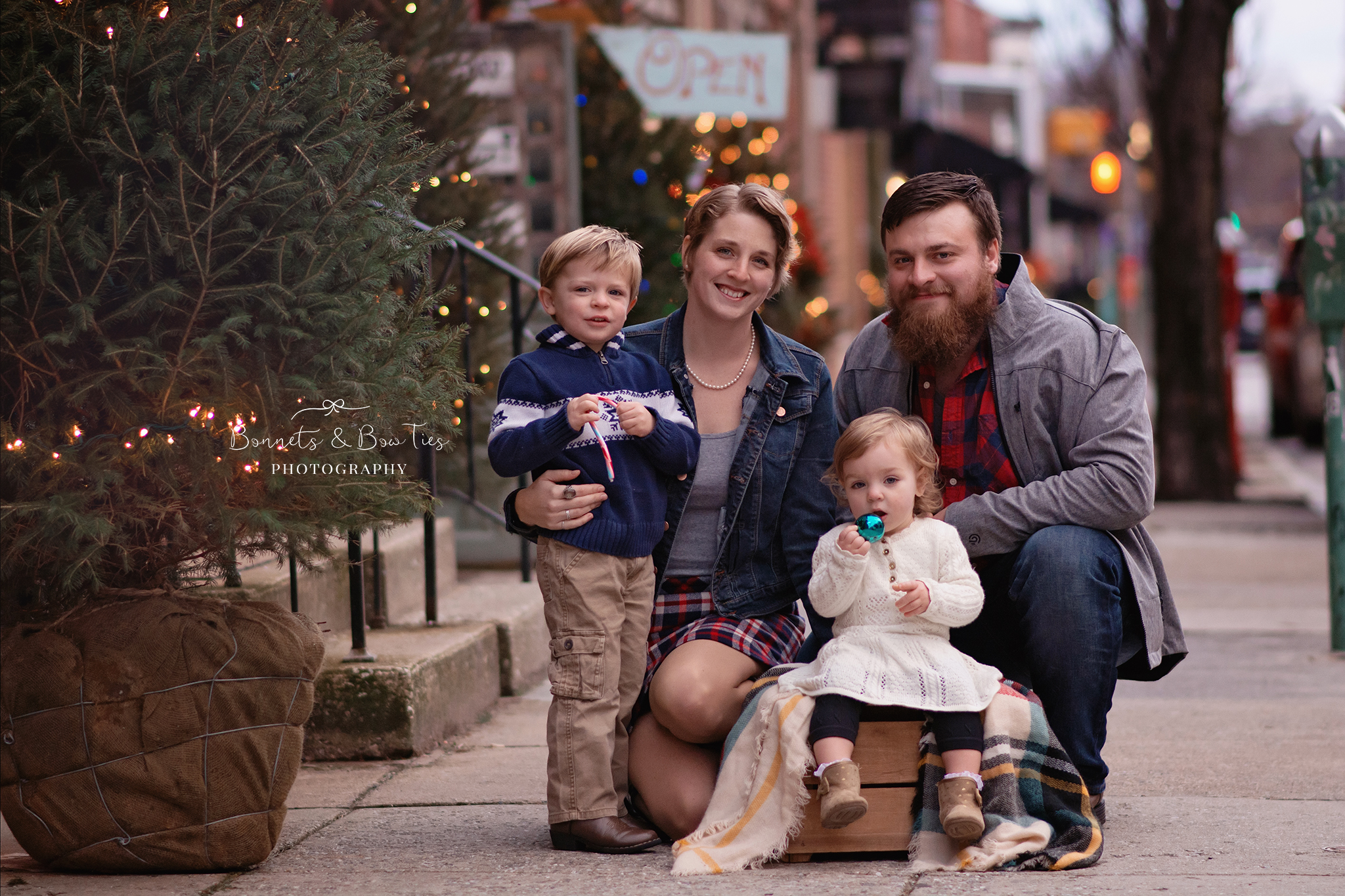 christmas photo session central market.jpg