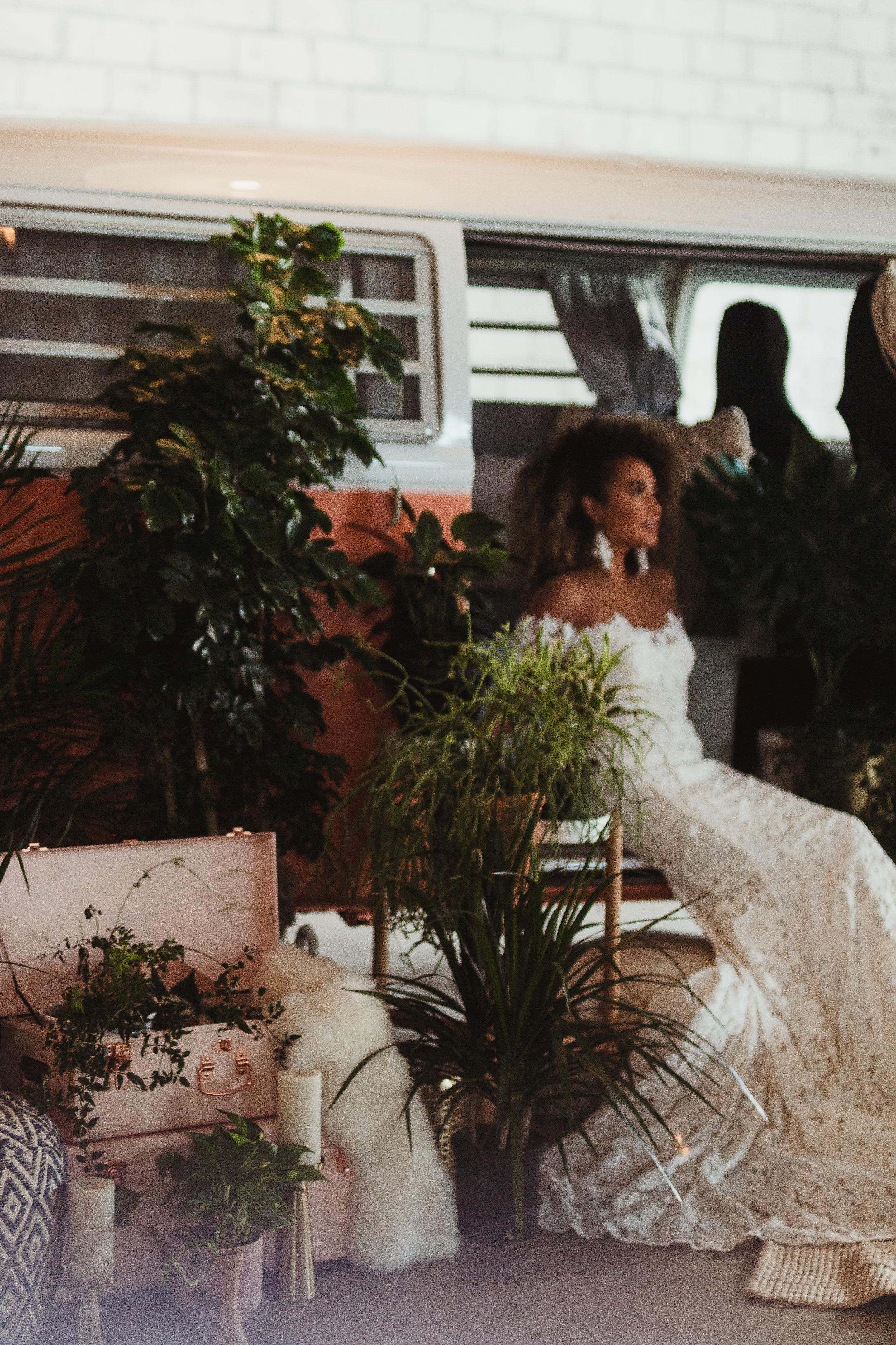 shootout_bus_installation_wedding14.jpg