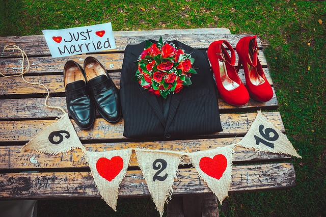 Wedding Props Are Back With a Bang in 2016