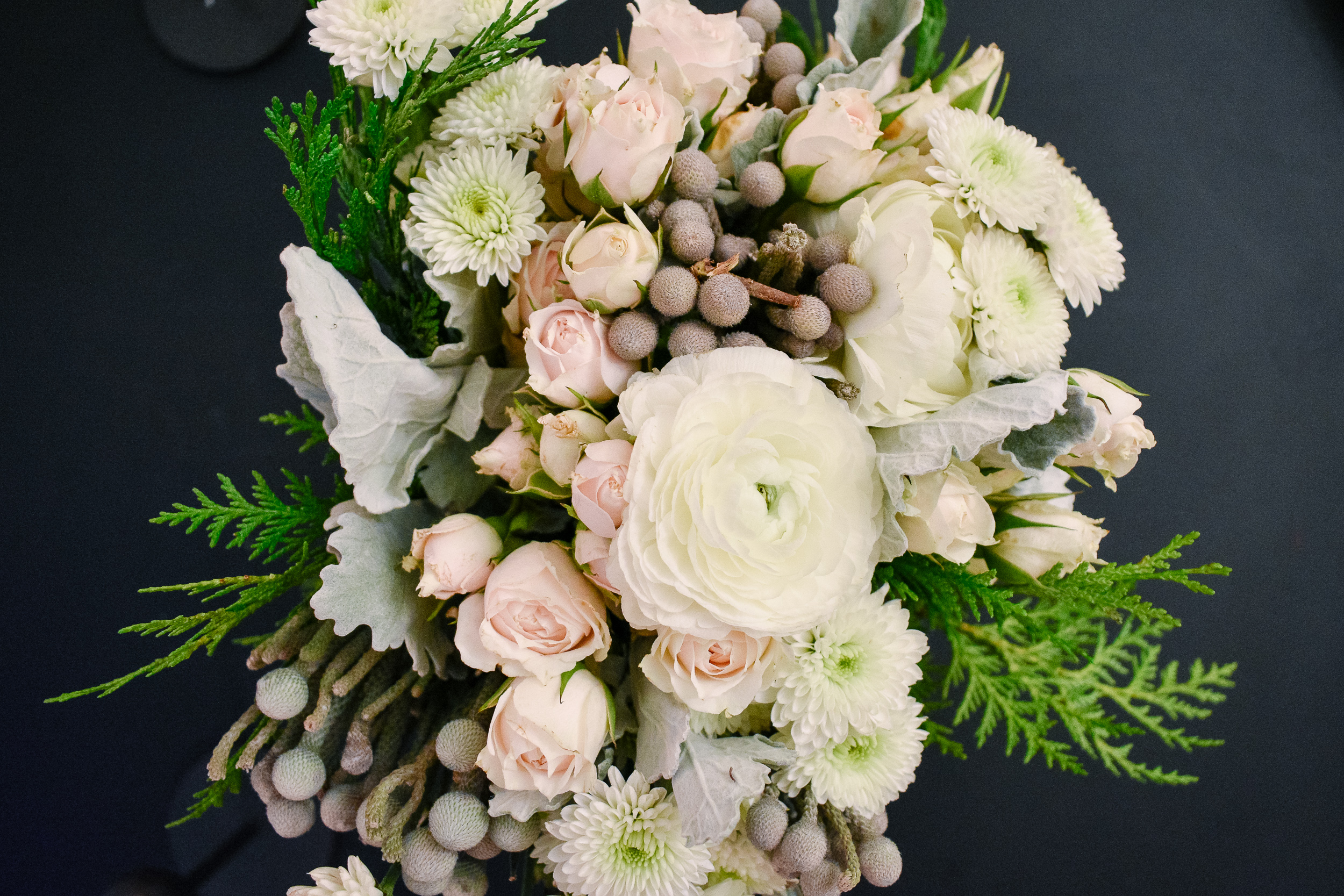 Minimalist Christmas Decorations: Winter Bouquet