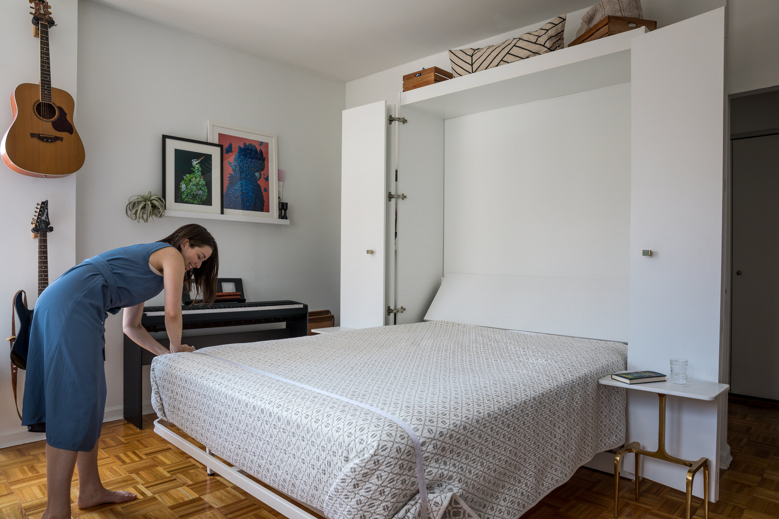 Wall Bed / Murphy Bed - clipping the mattress strap