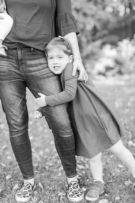 tilley-pond-park-family-portraits-top-ct-nyc-destination-wedding-engagement-photographer-shaina-lee-photography-photo