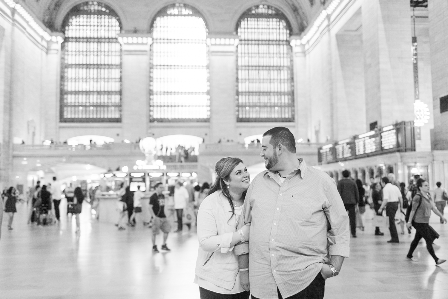 grand-central-station-central-park-engagement-session-top-connecticut-nyc-westchester-destination-wedding-engagement-boudoir-photographer-shaina-lee-photography-photo-22.jpg