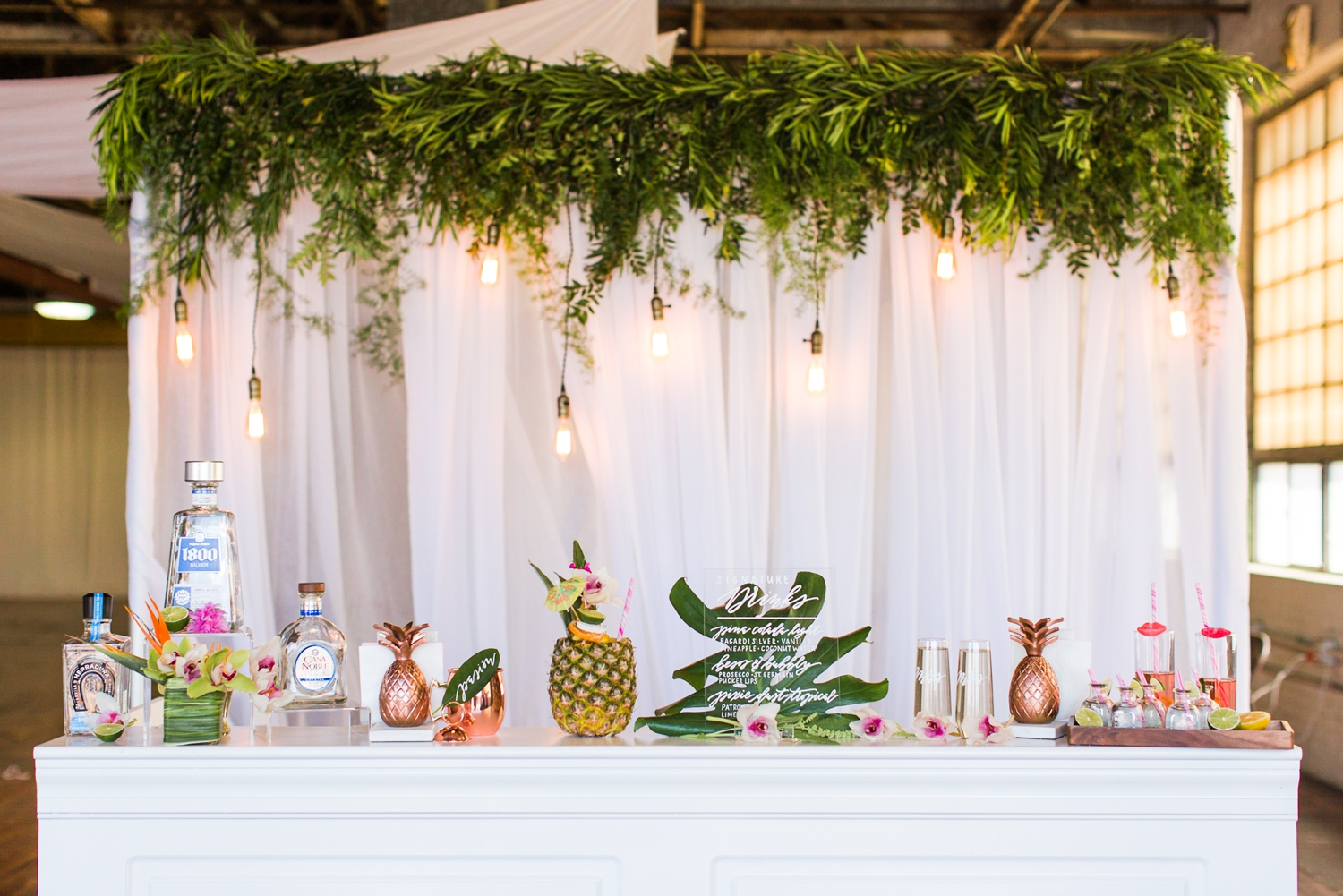 tropical-warehouse-wedding-boathouse-305-knowlton-bridgeport-connecticut-new-york-hawaii-photographer-shaina-lee-photography-photo